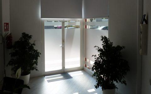 06_front_door_inside